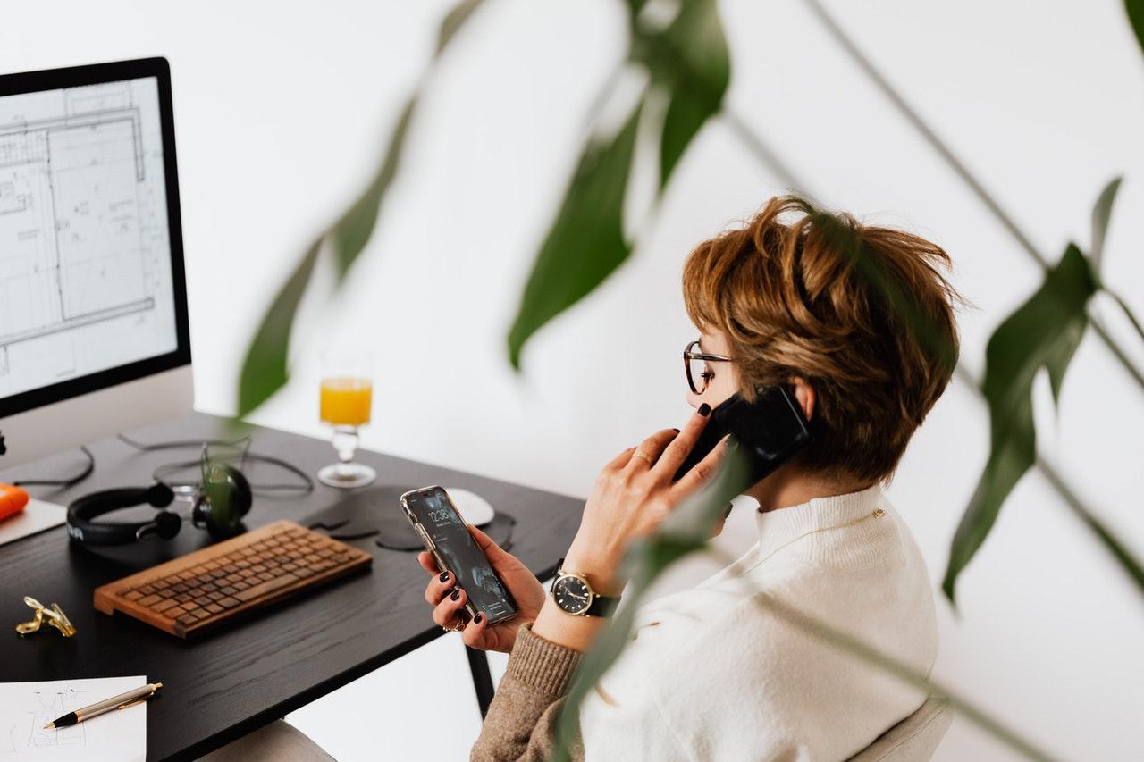 Zarządzanie połączeniami wychodzącymi i przychodzącymi w firmie